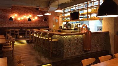 Joy-Burger Bar, kompletní rekonstrukce.